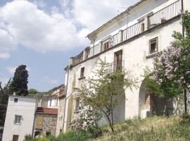 Agenzia immobiliare agricola enterprise for Seconde case impero in vendita