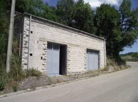Ampia casa in pietra in vendita da ristrutturare, Edda