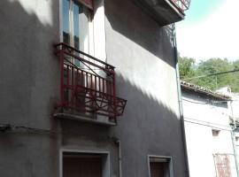 Casa indipendente in vendita con 2 camere, abitabile - Edera