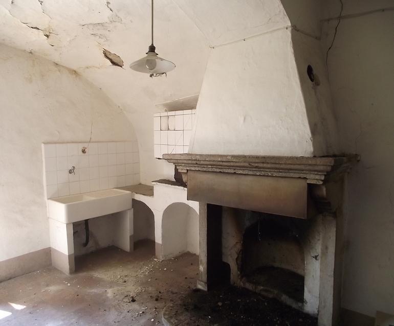 Casa di paese in vendita in molise civitacampomarano for Seconde case impero in vendita