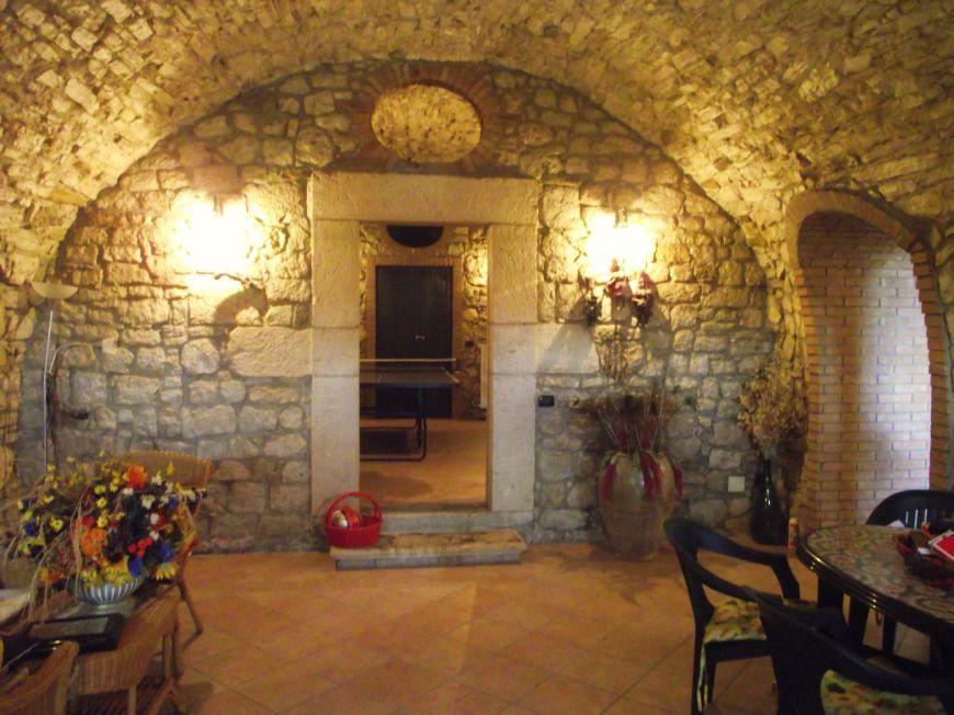Villa in pietra in vendita