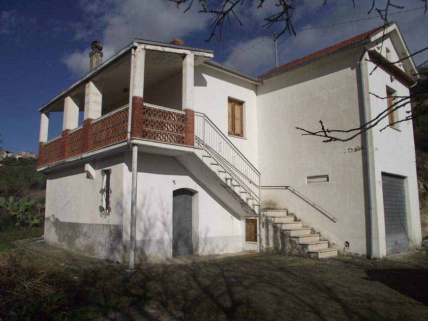 Casa in campagna in vendita