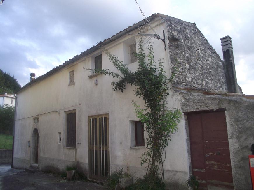 Casa in paese in vendita