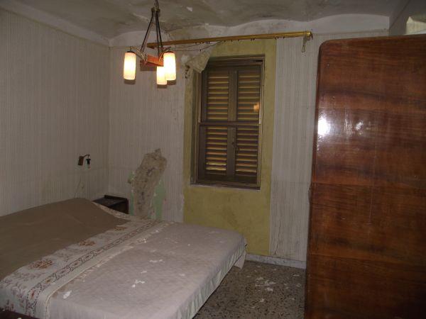 Casolare di campagna in vendita in molise san pietro avellana for 3 piani casa di campagna camera da letto