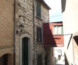 tipica casa in pietra